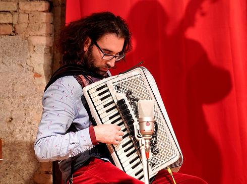Alin Gabriel Stan Musiker Akkordeonist.j