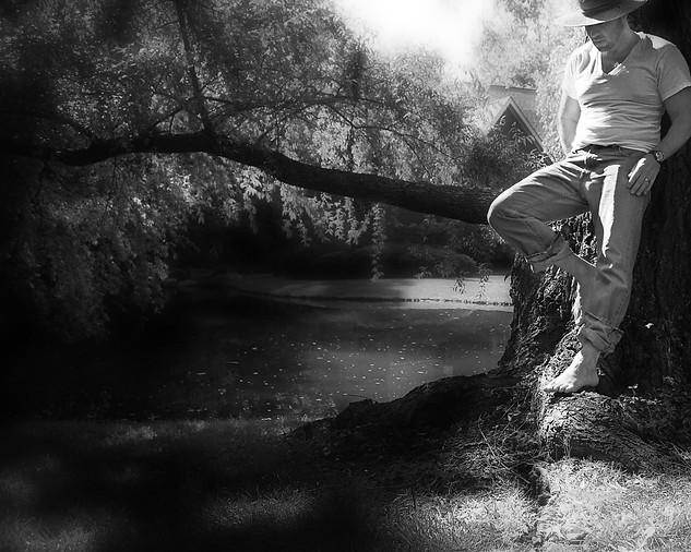 Standing at the Tree - Gray Artus