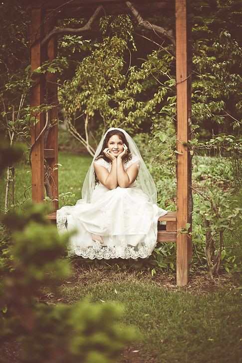 Bridal portrait - Gray Artus