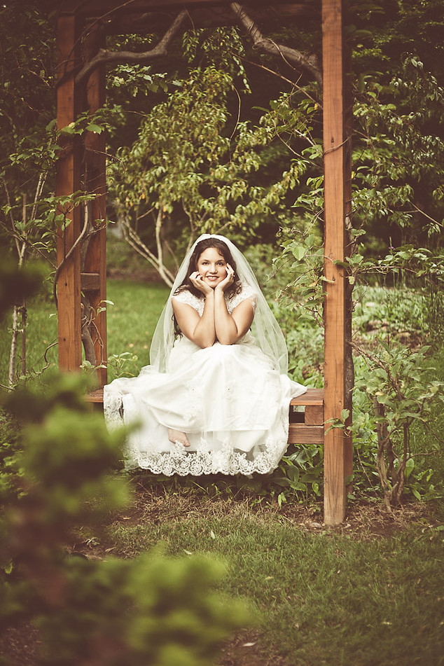 Bridal portrait - Gray Artus