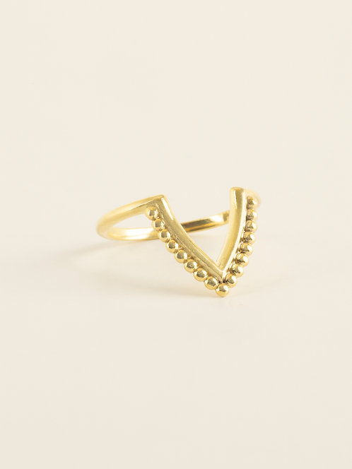 v ring with dots