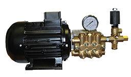 Плунжерный насос с двигателем в моноблочном исполнении