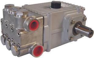 Плунжерный насос NP25 с литерой R для перекачивания воды.