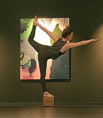 Dancer's%2520Pose_edited_edited.jpg