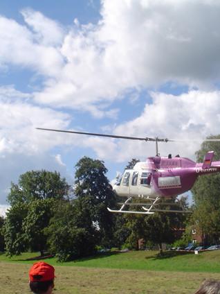 2004 SI-Helikopter beim Oldtimer Treffen