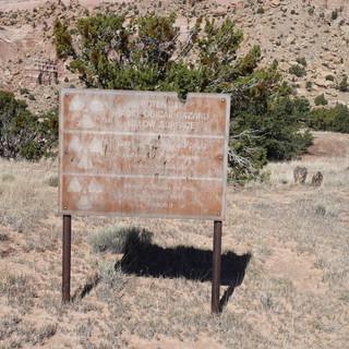 AUM warning sign.