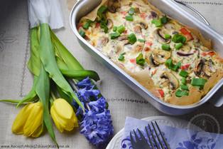 Quiche so šampiňónmi, červenou paprikou, kôprom a gorgonzolou