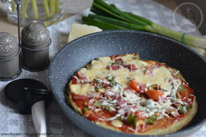 Chrumkavá brokolicová pizza z panvice