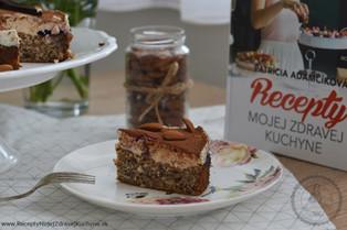 Torta s mandľovým krémom a čučoriedkami