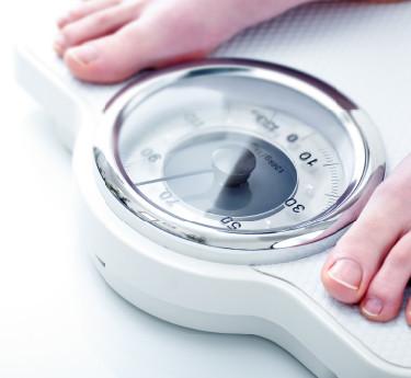 体重計から目をそらし続けてはいませんか