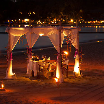 Candle-light-dinner-on-beach.jpg