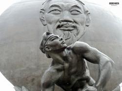 Estàtua_Ho_Chi_Minh_(5)