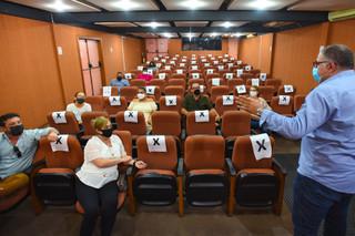 Representantes de escolas particulares recebidos pela Prefeitura