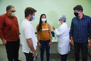 Vacinação dos profissionais da Educação de Campos