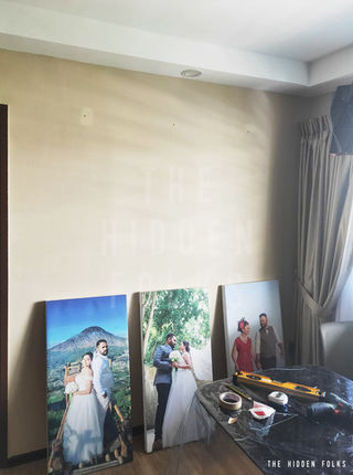 Customised canvas frame set