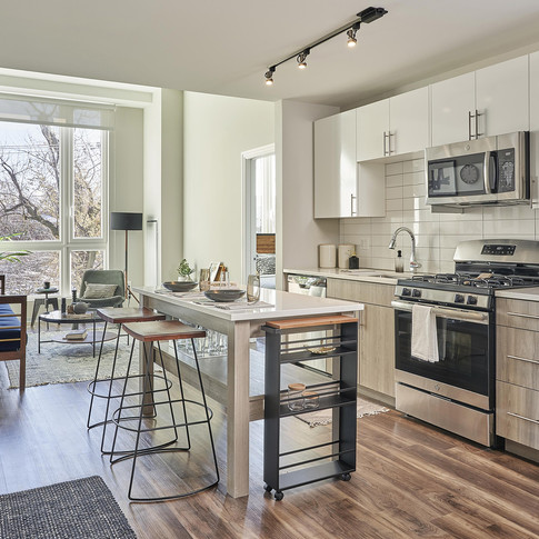 Contemporary Open Kitchen in Luxury Model Unit Staging | Kuchar