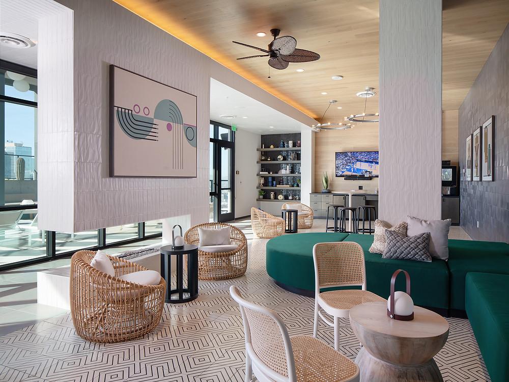 Roofdeck Aqua Lounge