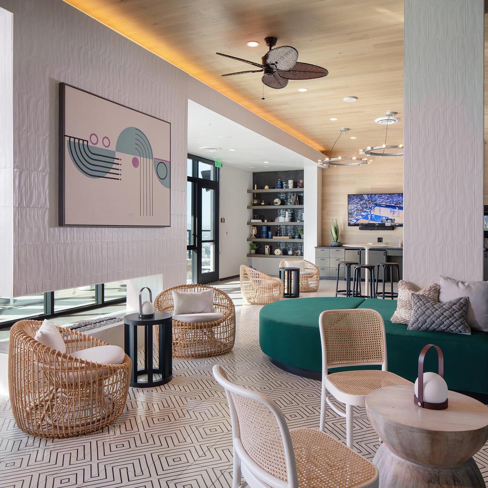 Phoenix Luxury Pool Lounge | Kuchar