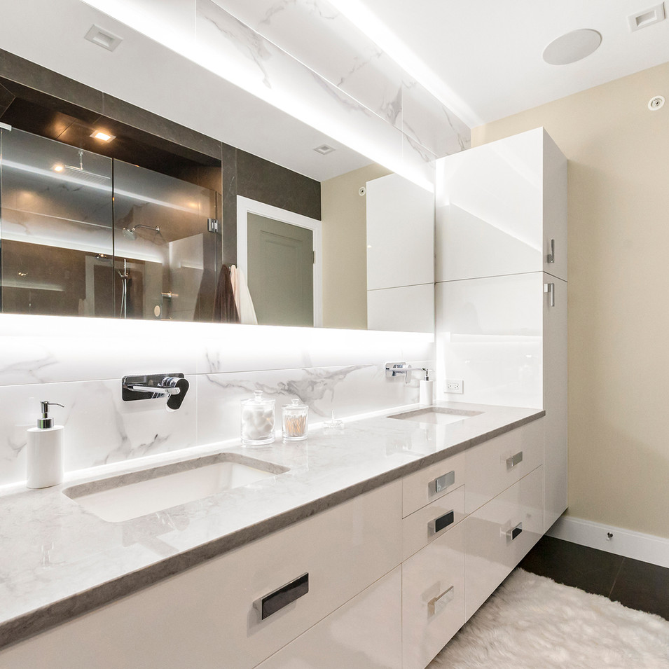 Luxury Long Grove Residential Bathroom | Kuchar