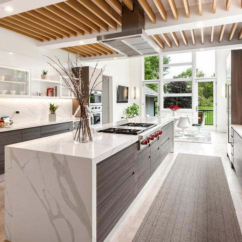 Luxury Long Grove Residential Kitchen | Kuchar