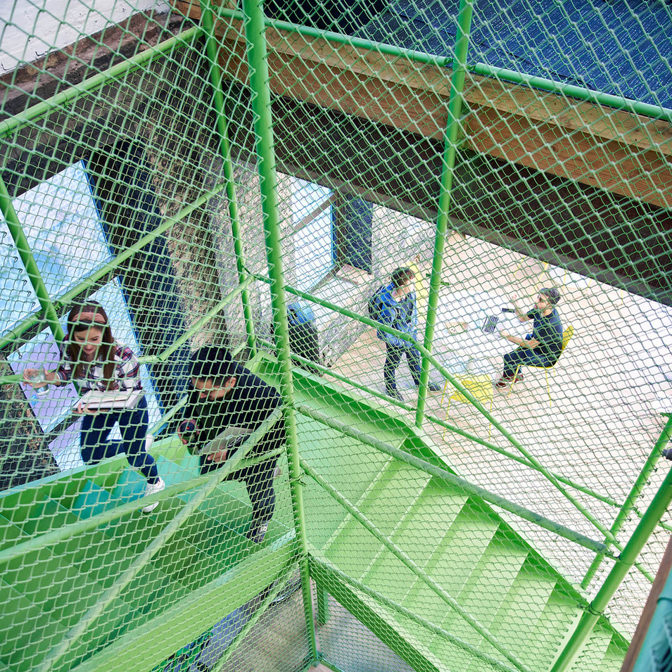 Farmer's Fridge Green Chain Link Stair | Kuchar