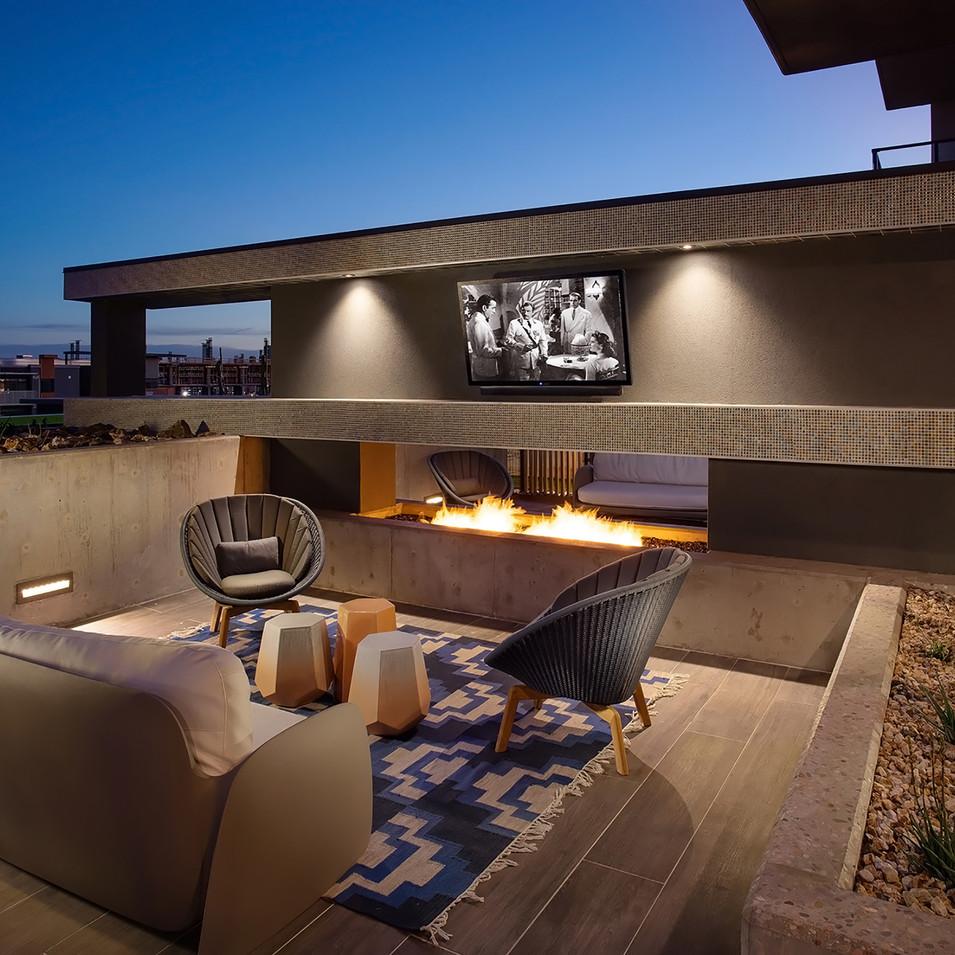 Phoenix Luxury Roof Deck Lounge | Kuchar