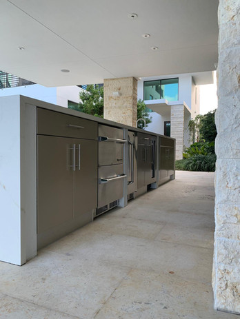 outdoor kitchen 1.jpeg