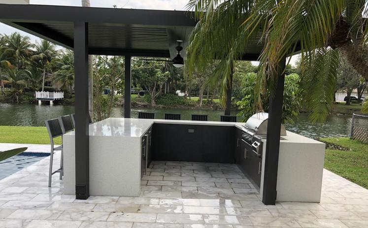 Pinecrest Outdoor Kitchen