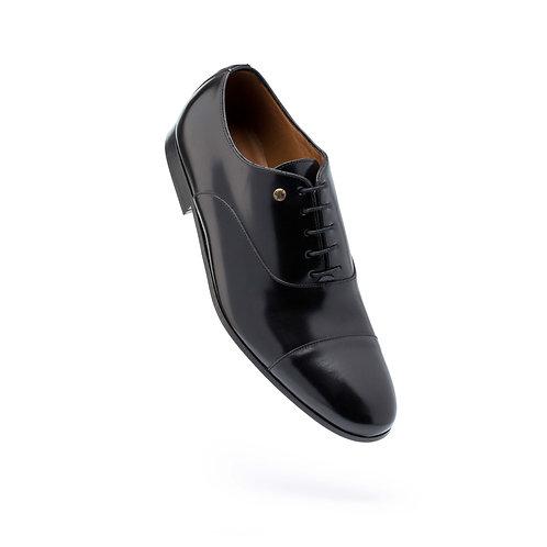 Sapato polido sola de couro e atacadores