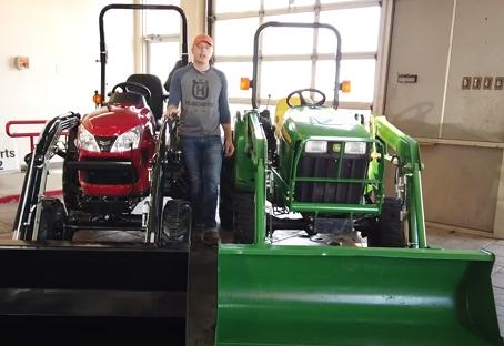John Deere 3032E Vs. Yanmar SA424 Compact Tractor Comparison