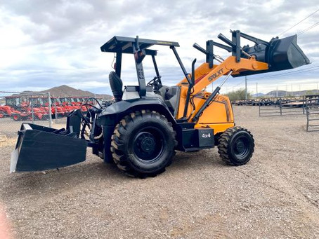 SPECIAL --- 2002 Case 570LXT Series 2 4x4 Skip Loader Landscaper with GANNON Box – 2320 Hours