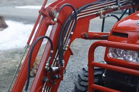 How Do I Safely Service Tractor Hydraulic Lines?