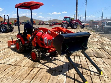 SPECIAL --- 2020 KIOTI CS2210H ESTATE SALE Tractor Loader with Box Blade and Bucket Forks-115 Hours