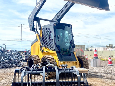 SPECIAL --- 2014 John Deere 318D Turbo Wheel Skid Steer Enclosed Cab A/C Plus Root Grapple for Sale