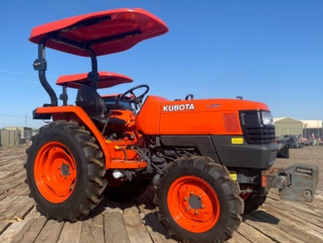 SPECIAL --- 2010 Kubota L2800 4x4 Diesel Tractor with Canopy For Sale – Only 324 Hours