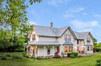 What Nobody Wants to Tell You Before Selling Your Farmhouse