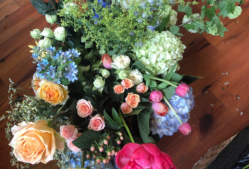 Monthly Bouquet in a Bucket Subscription
