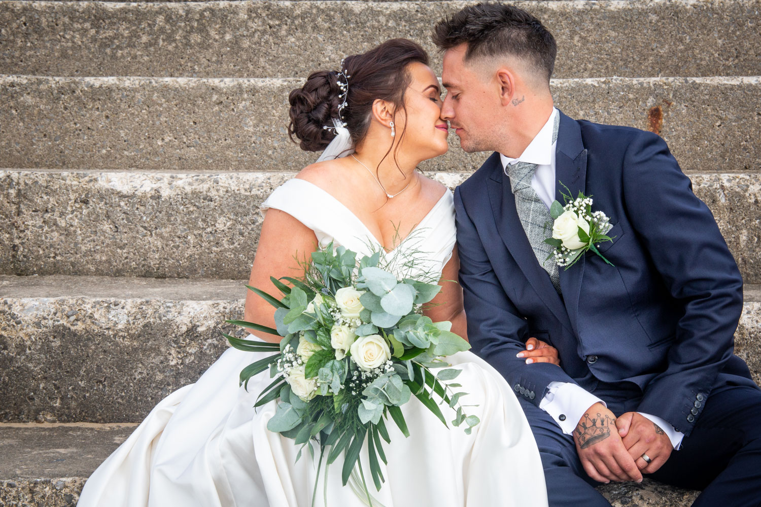 natural wedding photography in swansea and the gower