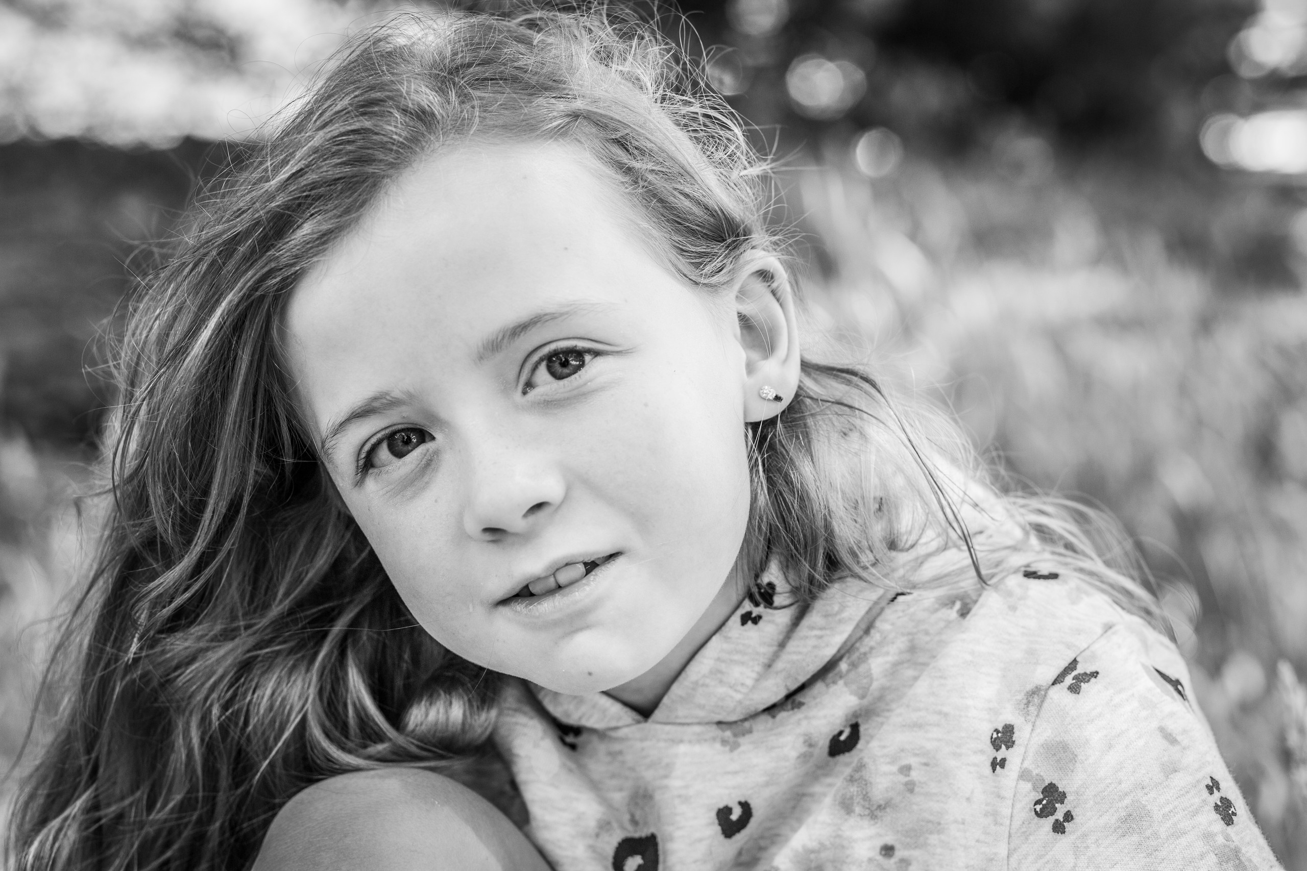 a natural look from a young girl having a photo session in swansea