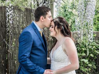 Wedding Kiss Photography