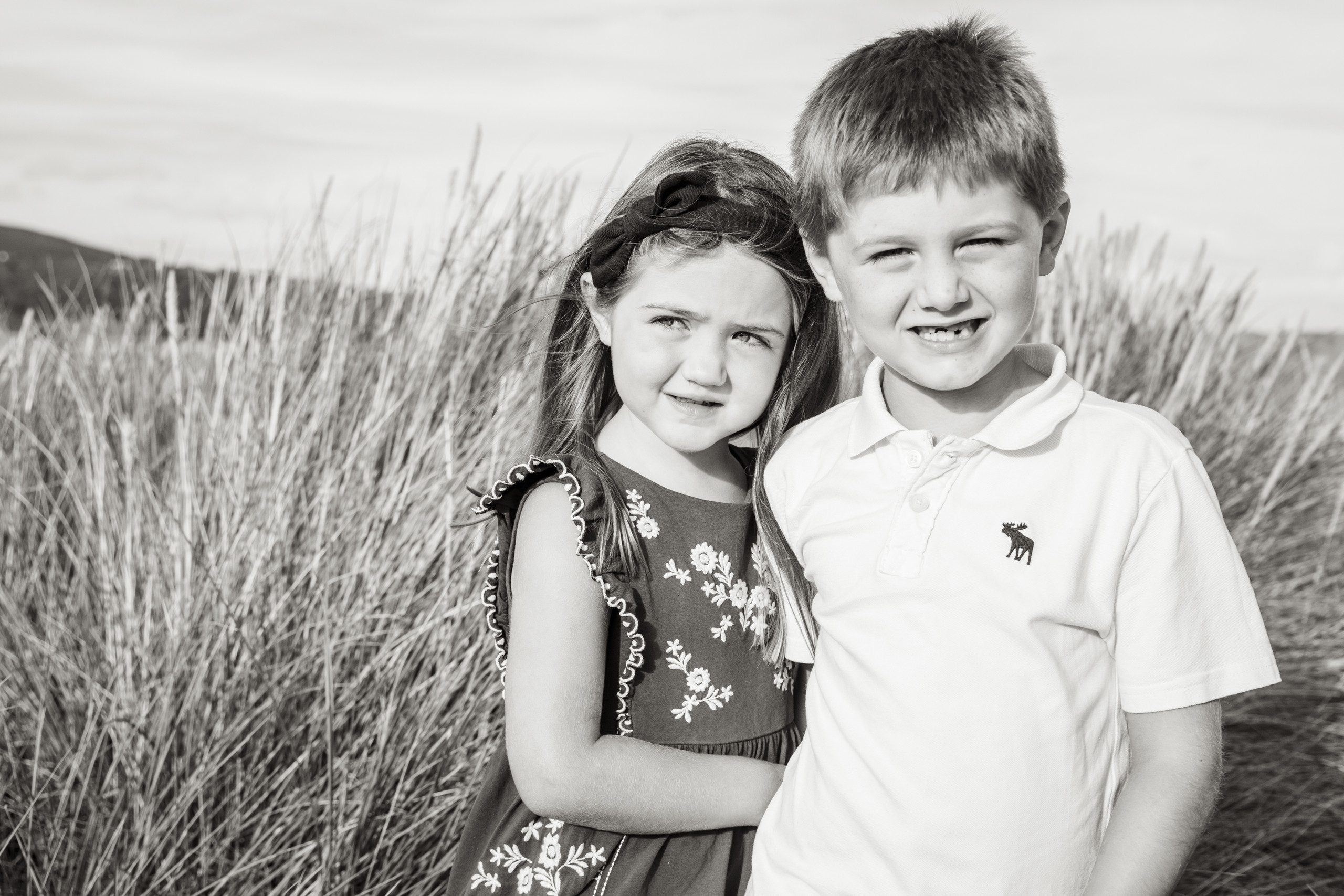 black and white family photo session at oxwich beach