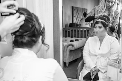 Natural Wedding Photography Photo of Bride in Mirror