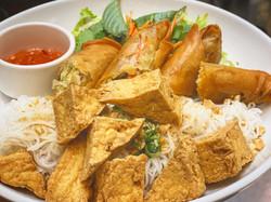 Bun Tofu with crispy Veggies