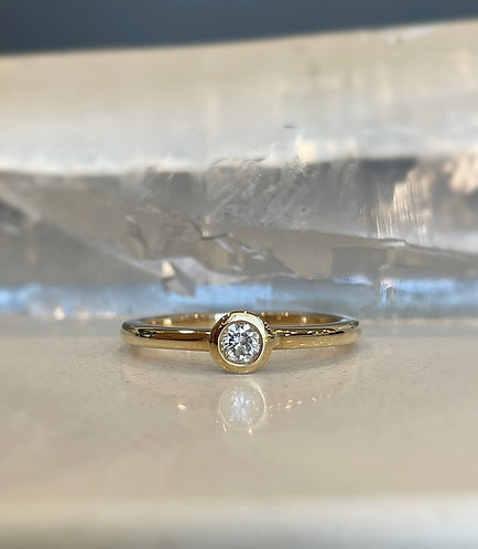 Diamond Solitaire Lilly Ring