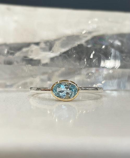 Topaz petite Laura ring