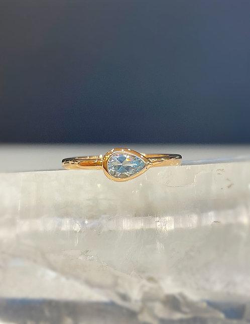 Isabel blue topaz ring