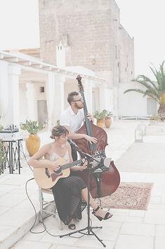 Anna and Tim Robards wedding in Puglia Tobi Tobi acousitc duo Masseria Potenti
