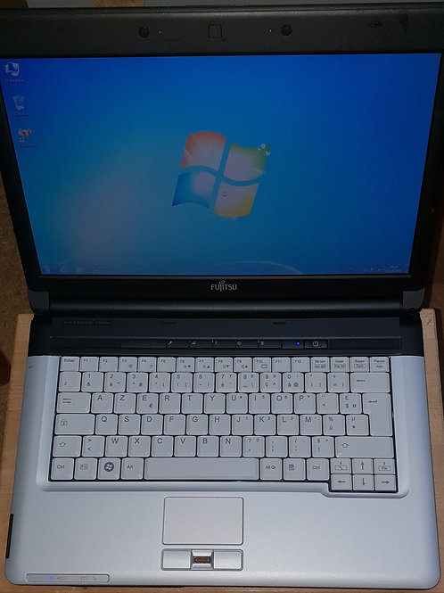 PC Portable Fujitsu LifeBook S710 - 14,1'' - Noir - Intel Core i5-520M / 2.40 GH