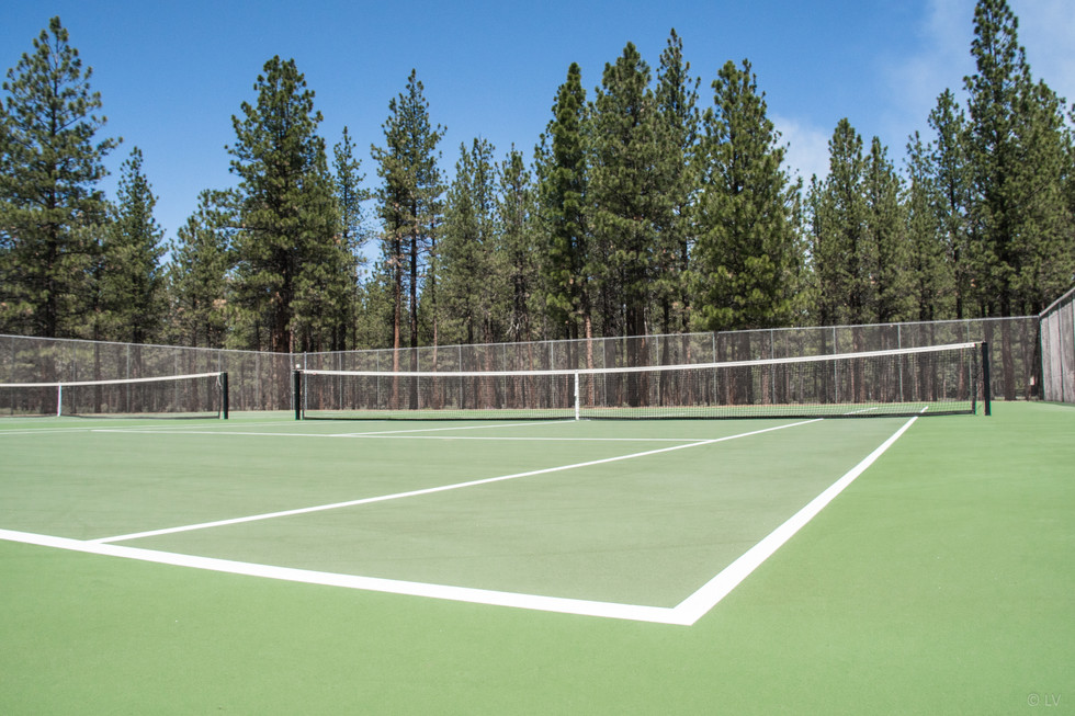 Tennis/pickleball courts