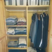 Entrümpeltere Kleiderschrank